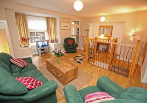 Picture of Niddry Street South 2, Old Town, 170 metres from Royal Mile, Lothian, Scotland - lounge, showing entrance door
