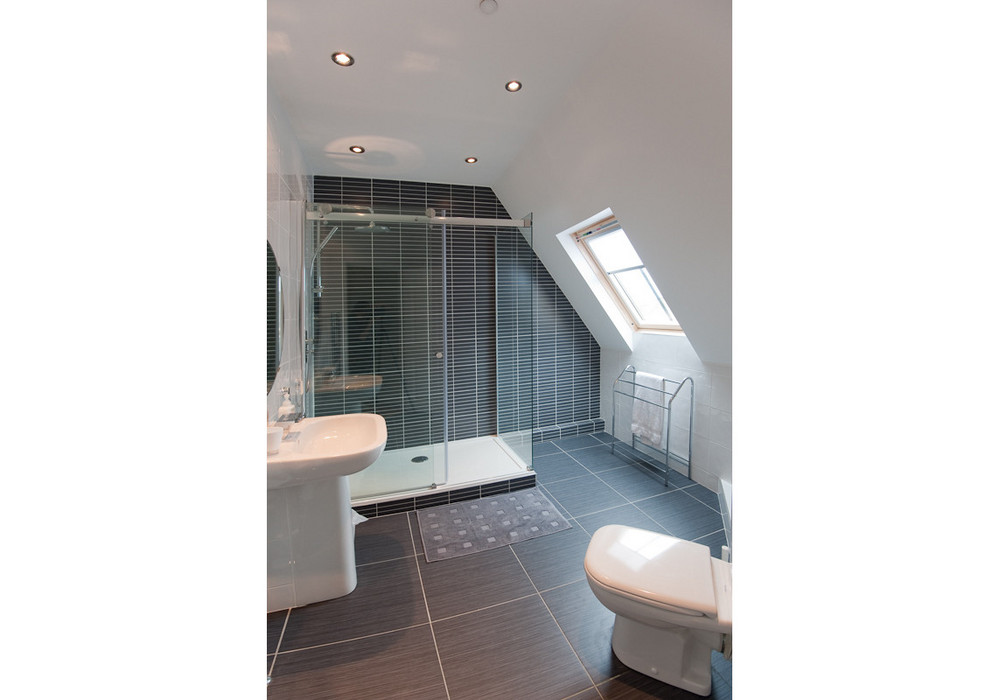 Upper floor shower room - Modern, luxurious and spacious.