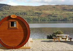 2593 - Relax and enjoy the beautiful views over Loch Ness